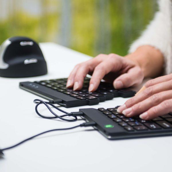 печатать на компактной клавиатуре r-go split break